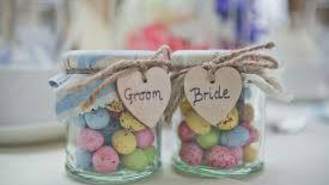 "Easter weddings are ""egg""cellent! Happy Easter to all our lovely couples"