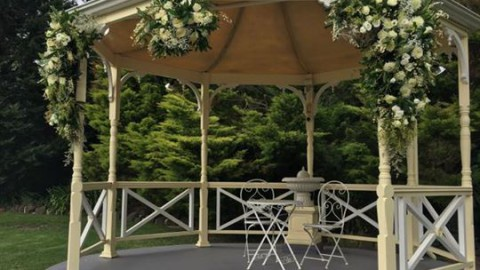 Lovely gazebo decor by Woops A Daisy Florist at WhiteChapel and just a wonderful…